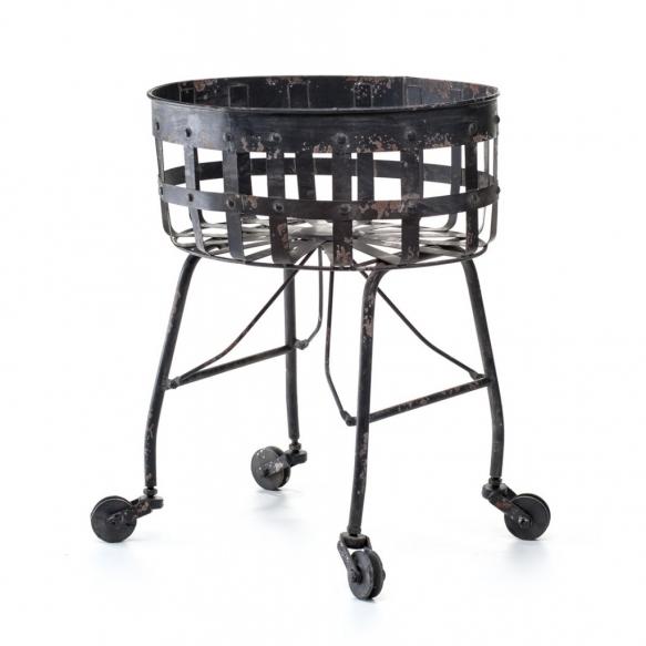 metallinen vintage-kori pyörillä