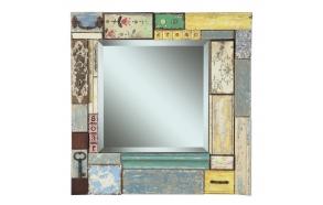 Peili, joka koristaa puupalikoista valmistettu kehys