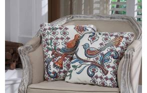 40 cm koristetyyny, lintukuvalla, 2 eri tyyliä